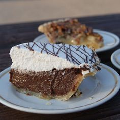 pie shops from across America  {Norske Nook in Osseo, WI, and Aroma Pie Shop in Whalan, MN, are NOT on this list!}