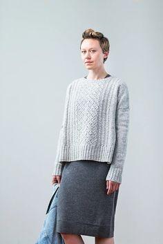 In Loft by Brooklyn Tweed. Ravelry: Berenice pattern by Julie Hoover Brooklyn Tweed, Sweater Knitting Patterns, Knitting Designs, Stockinette, Pullover Sweaters, Cable Sweater, Knitwear, Sweaters For Women, My Style