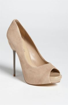 Oh wow! When did Nordstrom start carrying Aldo shoes? The super slim chrome heel is SEXY on these simple yet classic pair of nude pumps. I'm really loving pairing nude pumps with black dresses.