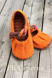 Ravelry: Pleated Flats pattern by Lise-Anne Michel