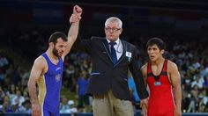 Russia's Dzhamal Otarsultanov won gold in the final of the men's 55kg freestyle wrestling at the London Olympics on Friday.