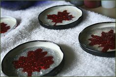 - maple leaf magnets simple as that: Canada Day inspiration: 25 DIY ideas, crafts, printables and recipes for July Summer Day Camp, Summer Fun, Summer 2014, Crafts For Seniors, Crafts For Kids, Children Crafts, Canada Day Crafts, Canada Day Party, Senior Activities