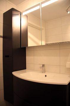 Her er det godt med plass til #oppbevaring. Kjekt med #speilskap med innebygd #belysning.