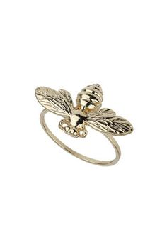 Perfect accessory for me! My mum calls me Bee, so this would go amazing with any dress!! #topshoppromqueen