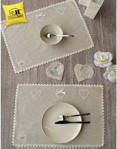 Tovaglietta Americana Angelica Home & Country Collezione Cuoricini 3 cuori con pizzo 50x35 cm