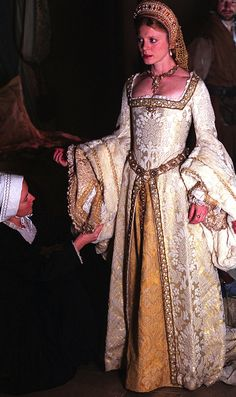 Emilia Fox as Jane Seymour in Henry VIII - 2003