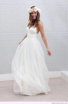 Simple Wedding Dress Designs - How to Dress for A Wedding Check more at http://svesty.com/simple-wedding-dress-designs/