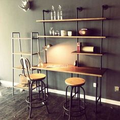 49 Wall Mounted Desks Built with Pipe Wall Mounted Desk, Wall Desk, Diy Furniture Projects, Home Office Furniture, Modern Furniture, Industrial Wall Shelves, Industrial Pipe, Industrial Style, Pipe Decor