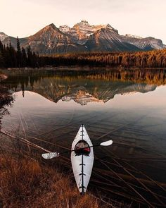 Kayak or canoe sport or a professional; there are several things that you should consider when buying a kayak or a canoe. Captivating Tips for Buying a Kayak or a Canoe Ideas. Camping En Kayak, Canoe And Kayak, Outdoor Camping, Camping Hacks, Camping Ideas, Camping Uk, Camping Recipes, Kayak Fishing, Kayaks
