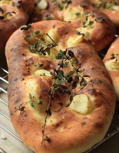 Bread Recipes, Baking Recipes, Dessert Recipes, Yummy Recipes, Bread Recipe King Arthur, Savoury Baking, Bread Baking, Food Garnishes, Bread And Pastries
