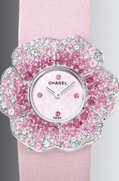 Chanel......Maravilla en la creación de este reloj ..... Sera el lujo en nuestras muñecas!!!