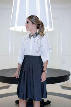 A apresentadora Mica Rocha #micarocha de look Erre Erre para o especial de trabalho do #calculeolook. #estilo