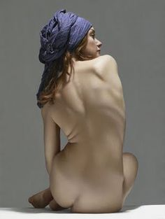 Artist: Luciano Ventrone, oil on linen {contemporary #hyperreal female discreet nude woman posterior back painting}
