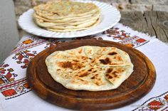 Cooking Cheese, Bread Recipes, Cooking Recipes, Romanian Food, Chapati, Healthy Cooking, Cravings, Vegetarian Recipes, Bakery