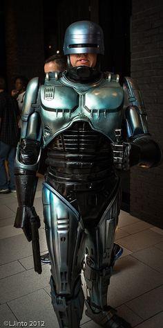 Robocop cosplay, photo by LJinto at SDCC