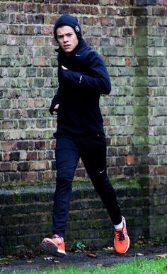 Harry going for a run today in London! LLN love the shoes Harry!