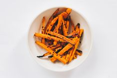 These nutrient-rich frites offer great flavours and texture, in a healthy-carb package that was made for dipping. Carrot Fries, Veggie Fries, Fries Recipe, Roasted Squash, Healthy Baking, Food Network Recipes, Carrots, Appetizers, Vegan