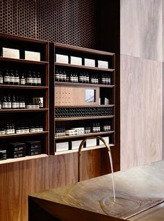 Aesop Emporium is a minimalist house located in Melbourne, Australia, designed by Kerstin Thompson Architects. Aesop Emporium luxuriates in the singular use of spotted gum timber. Commercial Architecture, Commercial Interior Design, Commercial Interiors, Interior Architecture, Spa Design, Deco Design, Wood Design, Retail Interior, Interior And Exterior