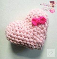 pembe kalp şeklinde fıstık örgüsü lif nasıl yapılır? bu güzelim lifi kullanabilir, hediye edebilir, çeyize koyabilirsiniz. o kadar güzel. 10marifet.org'da.
