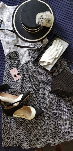 For Derby Day traditionally the dress code for the day is black and white with all race goers wear the mono chrome palette. Flemington Racecourse, Spring Racing Carnival, Melbourne Cup, Derby Day, Sewing Blogs, Boater, Spotlight, Outfit Of The Day, Sisters