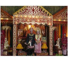 Soraya Wedding adalah Wedding Planner yang menghadirkan Paket Wedding Murah atau wedding package yang paling masuk akal dengan pengalaman penuh dalam wedding decoration, dekorasi pelaminan baik pelaminan modern maupun pelaminan gebyok, pelaminan tradisional, jawa, batak, aceh, padang, palembang, pelaminan bugis dll.