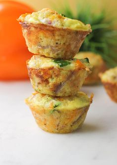 These perfectly Cheesy Quinoa Bites are packed with protein. Made these with a few alterations: sautéed veggies, added garlic powder and coriander, used sharp cheddar cheese in place of jack cheese. Vegetarian Recipes, Cooking Recipes, Healthy Recipes, Quinoa Bites, Quinoa Food, Brunch Recipes, Brunch Ideas, I Love Food, Kids Meals