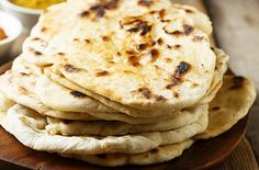 WW Light White Naans - Main Course and Recipe - WW light cottage cheese naans, recipe for tasty crispy Indian cheese rolls on top and fondant insid - Sushi Recipes, Dessert Recipes, Cooking Recipes, Healthy Recipes, Desserts, Healthy Meals, Healthy Food, Easy Chinese Recipes, Indian Food Recipes