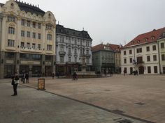 Fotografía arquitectónica, Bratislava, Eslovakia www.pluiedeideas.com.mx