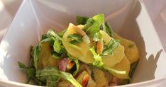 Kartoffel-Rucola-Salat, ideal als Beilage zum Grillen, ein Salat mit Kartoffeln und Rucola, superlecker und ungewöhnlich, der ideale Partysalat. Und hier ist das Rezept http://wolkenfeeskuechenwerkstatt.blogspot.com/2012/06/kartoffel-rucolasalat.html
