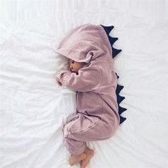 a8c40b5c79261 Nouveau   Sublime combinaison dinosaure qui peut convenir à un garçon comme  à une fille.