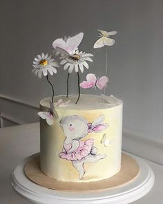 Cake Icing, Buttercream Cake, Fondant Cakes, Cupcakes, Cupcake Cakes, Doodle Cake, Mini Tortillas, Rabbit Cake, Hand Painted Cakes