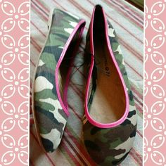 Nwt body central camo ballet flats sz 7 Nwt body central camo ballet flats w pink trim. Sz 7 Body Central Shoes Flats & Loafers
