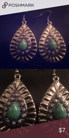 🆕Turquoise Earrings BNWOT. Light weight and very pretty! Jewelry Earrings