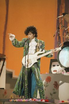 Prince performs at the American Music Awards in Los Angeles, Jan. 28, 1985