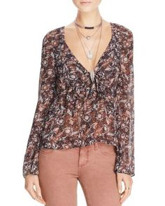 FREE PEOPLE Uptown Bell Sleeve Top. #freepeople #cloth #top