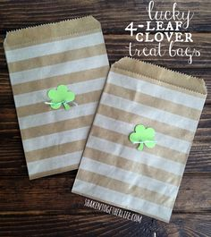 Need a cute treat bag to package up those St. Patrick's Day goodies? You can make these lucky 4-leaf clover treat bags in about five minutes! Lucky you!