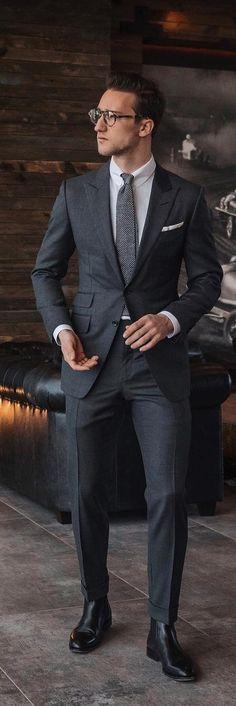 dce52c53e0 2990 nejlepších obrázků z nástěnky Šedivé Obleky - Mens suits v roce ...