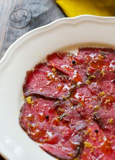 I could eat Carpaccio everyday! Carpaccio Recipe, Bistro Food, Food Decoration, Recipes From Heaven, Beef Dishes, Daily Meals, Restaurant Recipes, Kitchen Recipes, Food Presentation