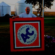 Allis Chalmers barn quilt Barn Quilt Designs, Quilting Designs, Agriculture, Farming, Tractor Nursery, Painted Barn Quilts, Barn Signs, Barn Wood Crafts, Outdoor Crafts