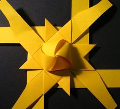 stjerne foldes, 10 Origami Quilt, Origami Paper Art, Diy Origami, Diy Paper, Paper Crafting, Christmas Origami, Christmas Star, Diy Snowflake Decorations, Christmas Decorations