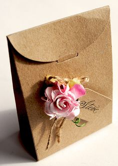 love favor with paper rose
