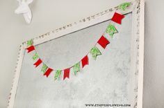 Easy Little Bunting – Touch of Christmas Spirit - @ItsOverflowing.com