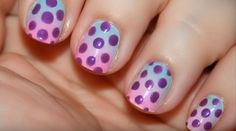 17 Gradient Nails - Smooth gradient with polka dots!