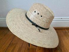 Vintage straw hat. Sun hat. HUGE hat. Big hat. Straw hat. Beach hat. Vintage sun hat. Holiday hat. Vacation hat. Summer hat.