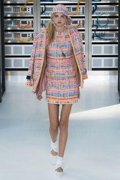 Fotos de Pasarela | Chanel, primavera-verano 2017 Primavera Verano 2017 Paris Fashion Week | 13 de 88 | Vogue