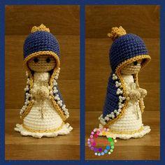 Santinha feita em croche, fio 100% algodao. Tem aproximadamente 12cm, pode ser feita qualquer santa (o).