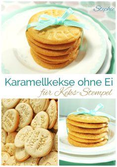 Karamell Kekse ohne Ei. Idealer Teig für Keks-Stempel. Lässt sich prima von den Keksstempeln lösen! Diese Kekse sind vegan und schmecken herrlich nach Karamell, wer mag, würzt sie salzig <3 https://einfachstephie.de/2015/12/04/rezept-fuer-keksstempel-karamell-kekse-ohne-ei/