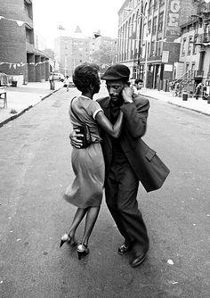 vintagegal:  David Gonzalez- Dancers, Mott Haven, August 1979, from the Faces in the Rubble series (via)