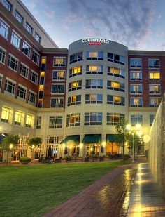 Courtyard Greenville Downtown Business Hotels