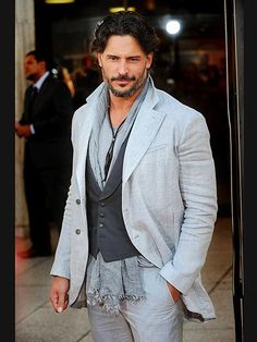 15 Hot Photos of Joe Manganiello Covering up in a dapper suit, Manganiello steps out to celebrate a 2012 premiere of True Blood. Don't worry, there are more shirtless shots to come …. Sharp Dressed Man, Well Dressed Men, Geek Chic, Joe Manganiello Shirtless, Dapper Suits, Men's Fashion, Karl Urban, Good Looking Men, Taylor Kitsch